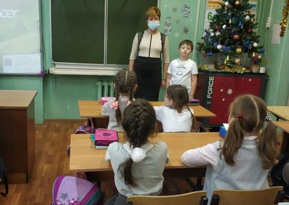Общественники побеседовали со школьниками о профессиях